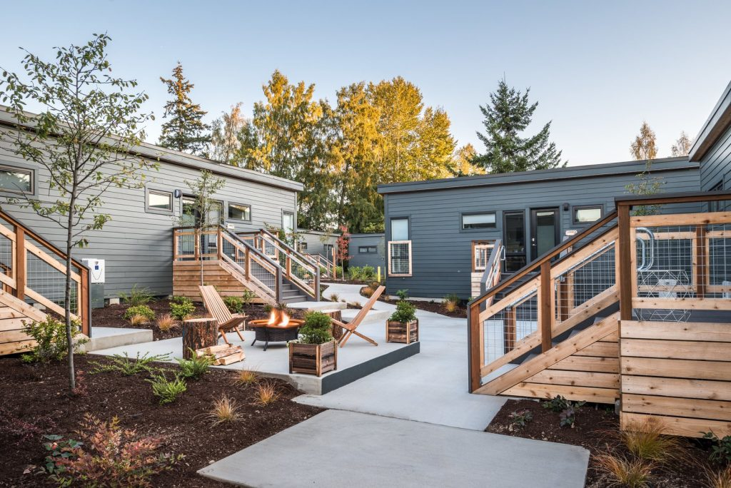 10 Modern Fireplaces and Fire Pits to Inspire Outdoor Living these light and bright 570 square foot units are just a 20 minute ferry ride from seattle washingtonperfect for a weekend getaway 1024x684