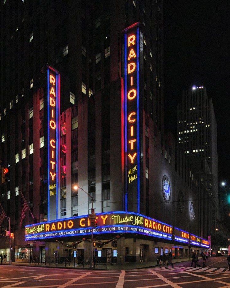 8 Magnificent Places to Visit in NYC: AD Show 2019 Radio City Music Hall